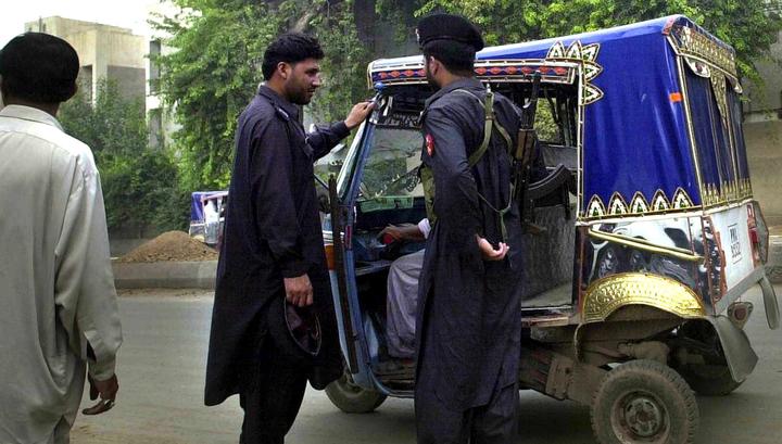В ДТП микроавтобуса и моторикши погибли 13 человек