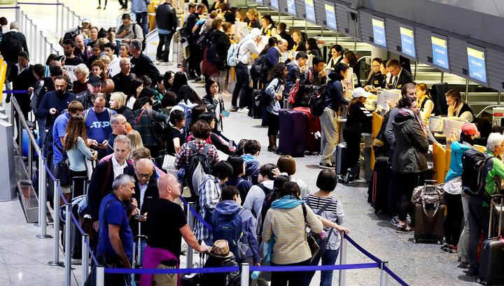 Lufthansa отменила 1300 рейсов из-за забастовки бортпроводников
