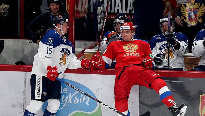Рушан Рафиков (справа)