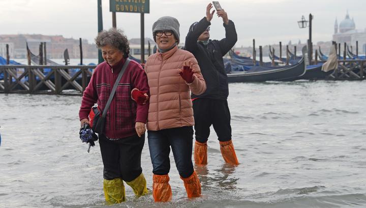 Мощнейшее наводнение в Венеции: под водой почти весь город