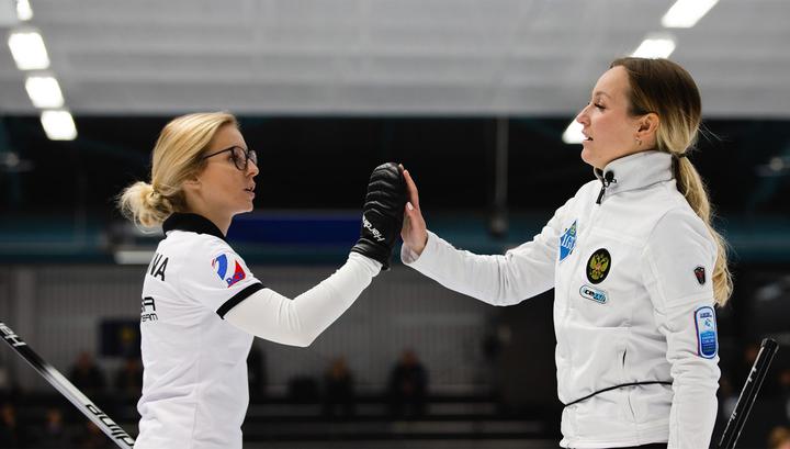Российские керлингистки обыграли сборную Швеции