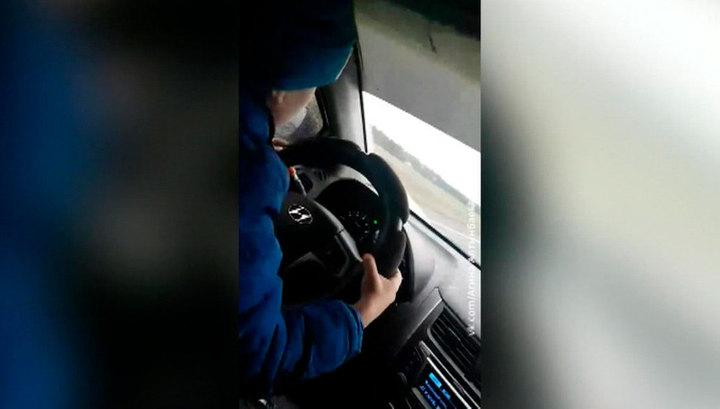 140 км в час и ребенок за рулем: безответственная мать погналась за хайпом