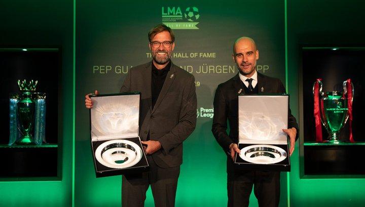 Юрген Клопп (слева) и Хосеп Гвардиола