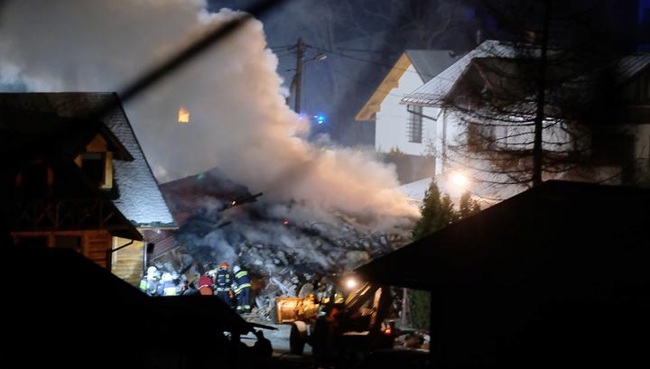 В Польше на горнолыжном курорте от взрыва газа обрушился трехэтажный дом