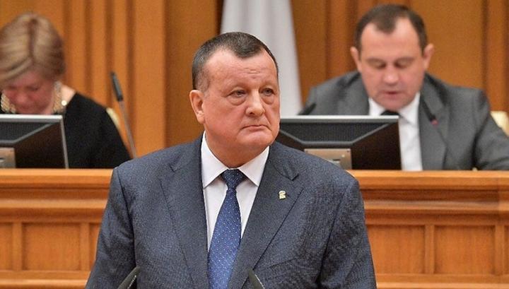 Валов арестован за взяточничество
