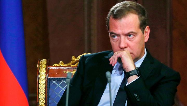 """Медведев ответил на слова Лукашенко об """"антибелорусском давлении"""""""