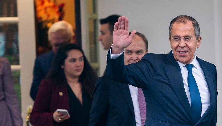 """Переговоры РФ и США: вооружения, """"вмешательство в выборы"""" и экономика"""