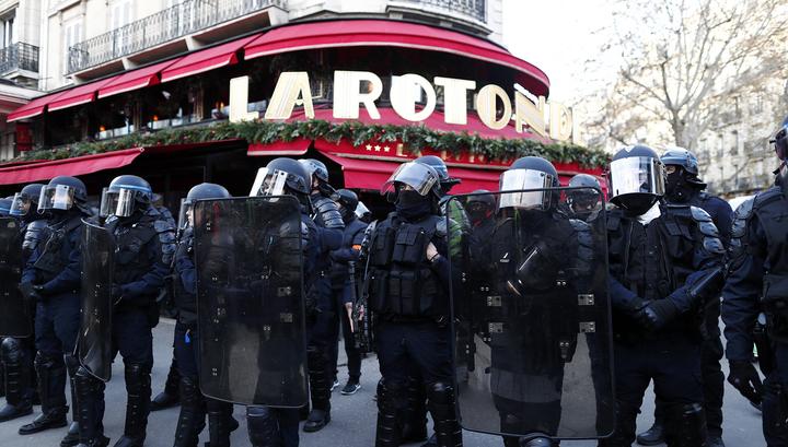 Французские полицейские поддержали забастовку против пенсионной реформы