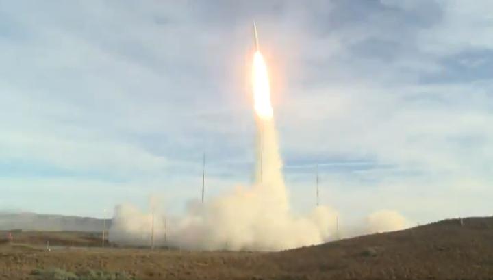 Появилось видео испытания американской баллистической ракеты средней дальности