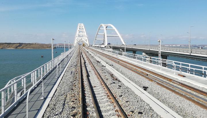 Крымский мост: Владимир Путин даст старт движению поездов