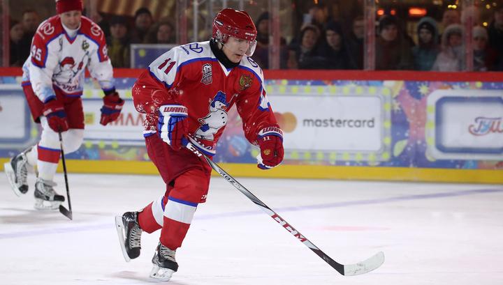 Команда Путина выиграла хоккейный матч на Красной площади