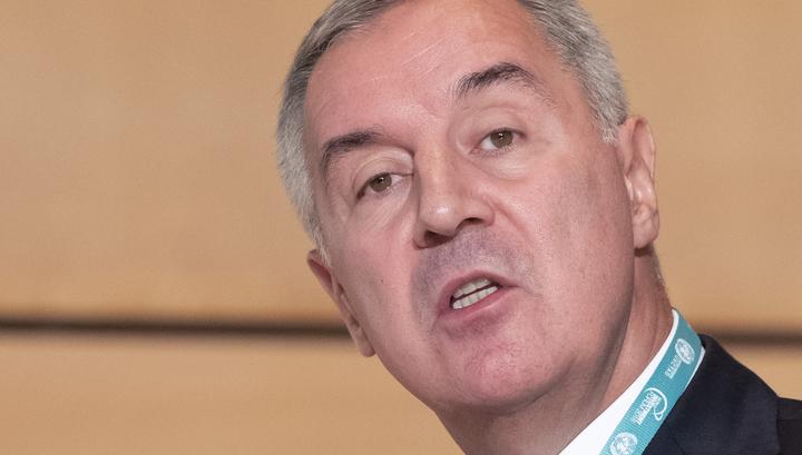 Президент Черногории подписал закон, расколовший общество
