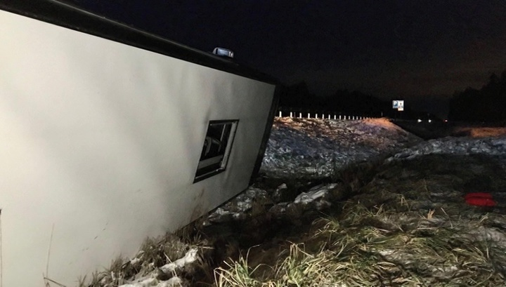 В ДТП под Псковом пострадали 18 человек