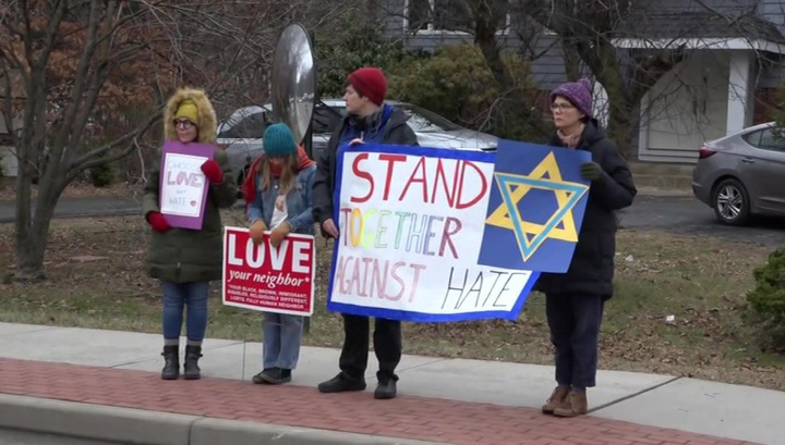 Стрельба и поножовщина: в США атакованы прихожане в церкви и синагоге