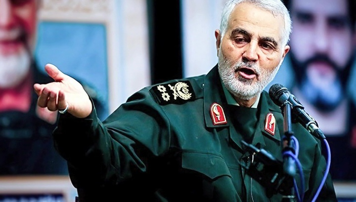 Церемонию прощания с Сулеймани возглавил аятолла Хаменеи