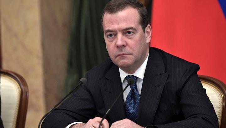 Медведев: коронавирус - реальная угроза, но поддаваться панике не нужно