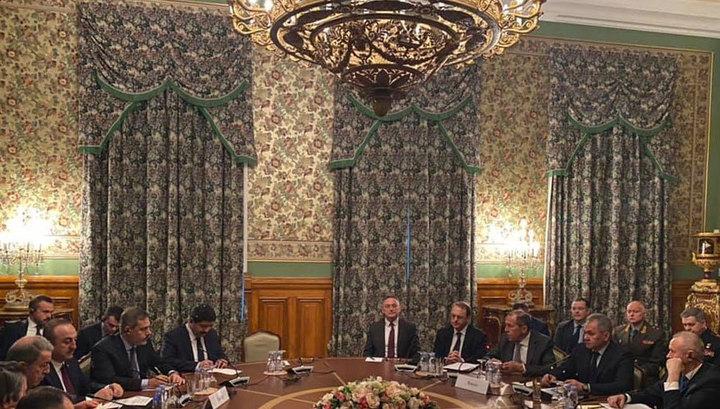 Moskvada vacibgörüş:Generallar və diplomatlar bir arada