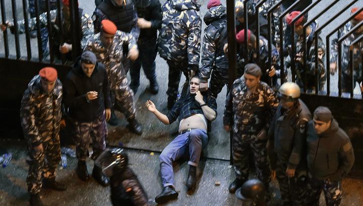 Столкновения вблизи российского посольства в Бейруте утихли
