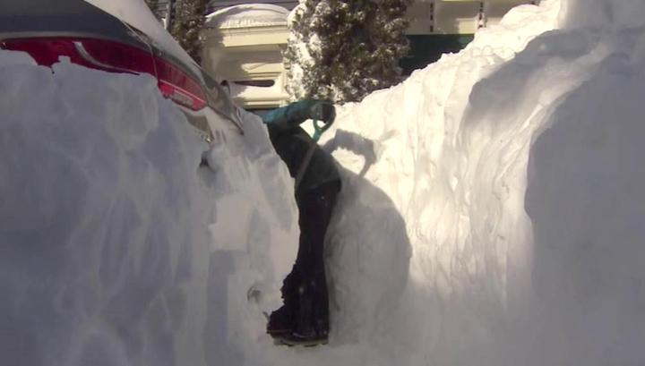 Австралия горит и тонет, Канаду засыпает снегом