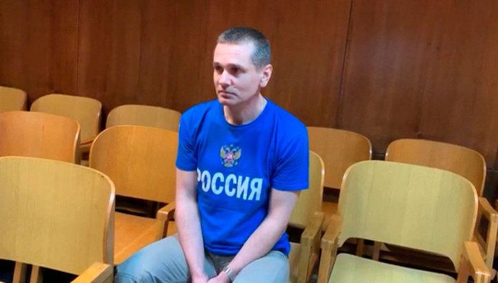Адвокат: россиянин Александр Винник находится в больнице в Париже