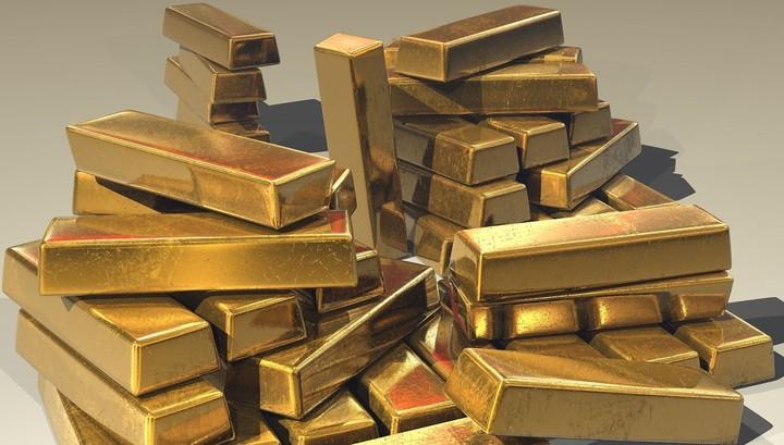 Что тревожит инвесторов и почему они массово скупают золото?