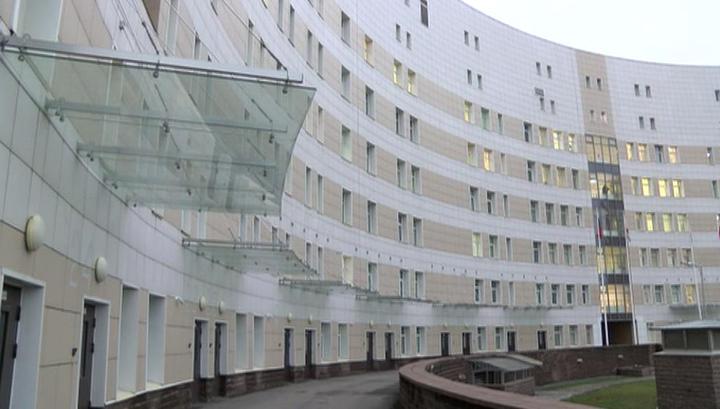 Сбежавшую из карантина девушку суд постановил вернуть в больницу