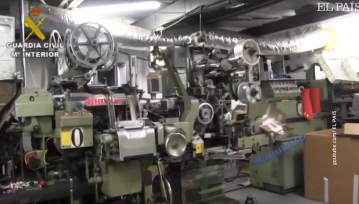 В Испании из подземной табачной фабрики извлекли запертых граждан Украины