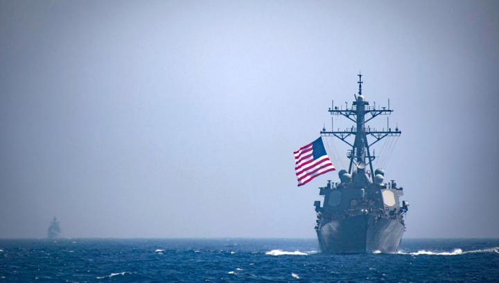 Черноморский флот следит за американским эсминцем