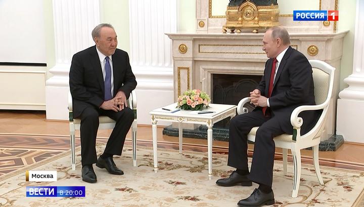 Путин поблагодарил Назарбаева за вклад в отношения двух стран и создание ЕАЭС