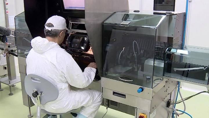 Российская вакцина от коронавируса поступит в оборот до конца 2020 года