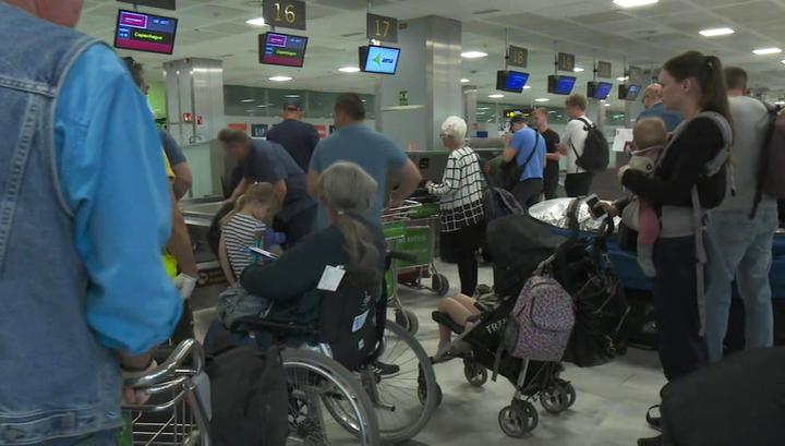 Российским туристам по всему миру требуется помощь в эвакуации на родину