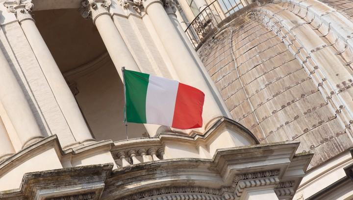 Италия отправляет производство на карантин