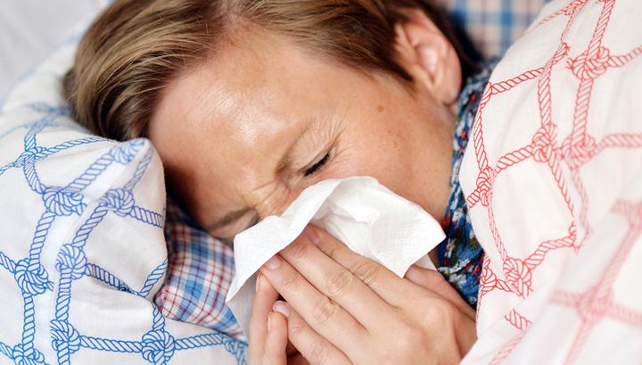 Москвичам официально разрешили лечить легкую форму коронавируса на дому