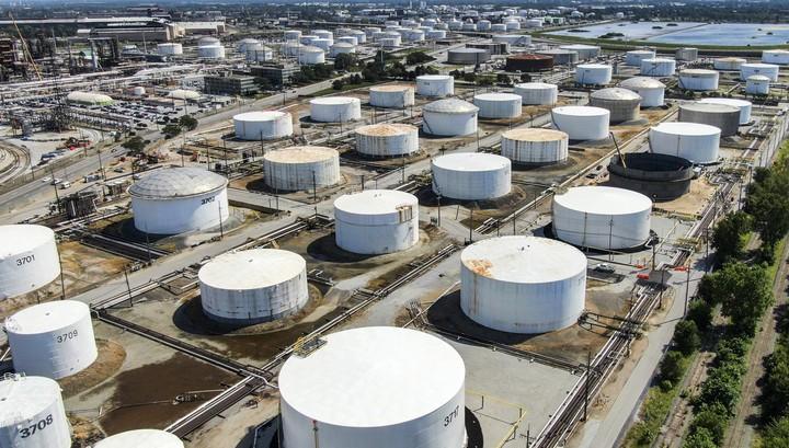 Анонсированные Вашингтоном стимулы поддержали нефтяной рынок