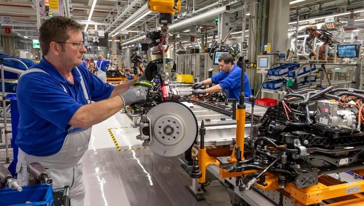 Вспышка коронавируса обрушила производственную активность в еврозоне