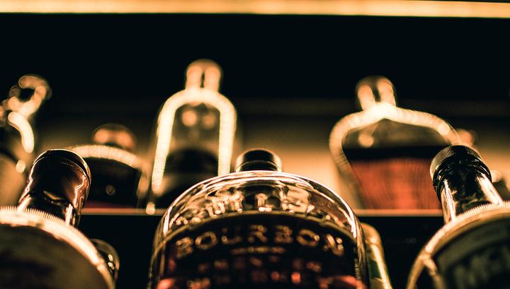 Продажу крепкого алкоголя хотят ограничить