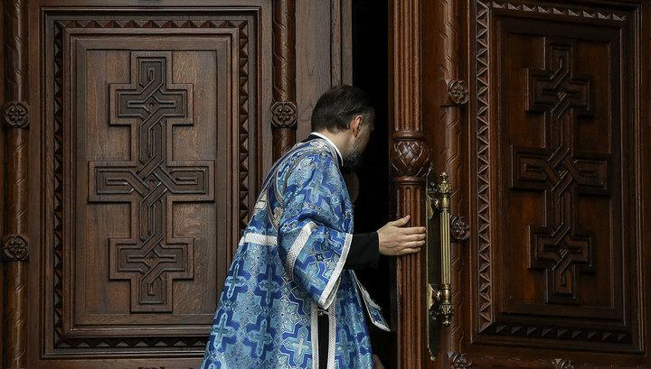 Кладбища закрыты, автобусов не будет: на Пасху верующих призывают молиться дома
