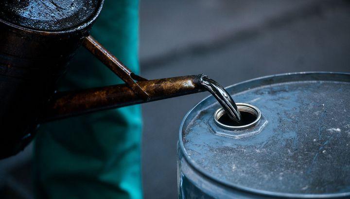 Цена на нефть WTI опустилась ниже $19 за баррель впервые с 2002 года