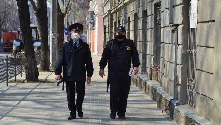 Тотальная проверка прибывающих из регионов начинается в Крыму