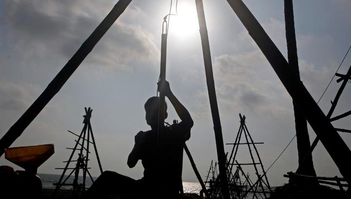 Нефть ушла в минус: каковы причины