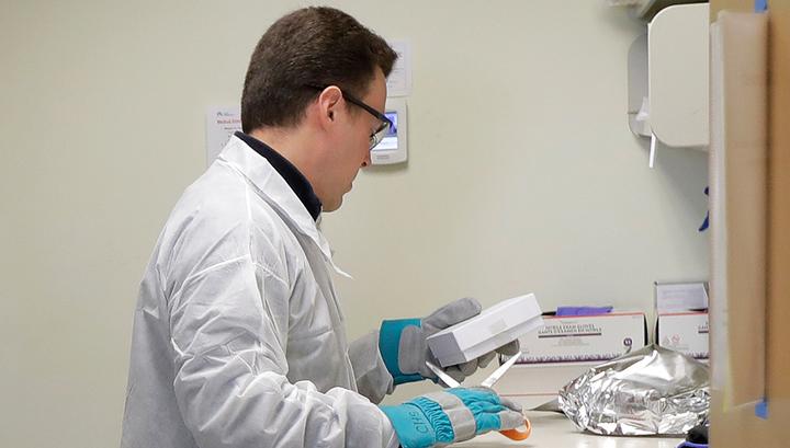 Глава НИЦ Гамалеи: российская вакцина защитит от COVID-19 более чем на два года