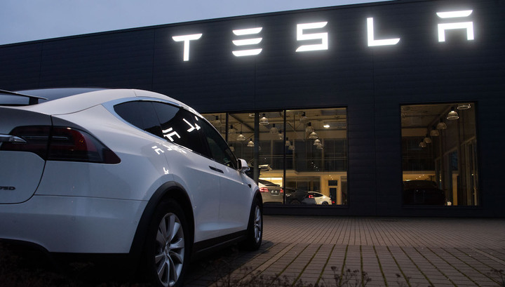 Цена акций Tesla превысила 1000 долларов на ожиданиях квартальной прибыли