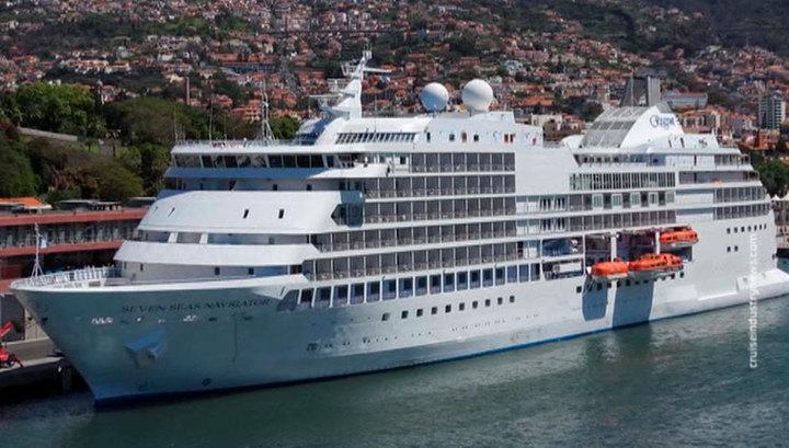 На борту лайнера, стоящего на карантине в Барселоне, есть россияне