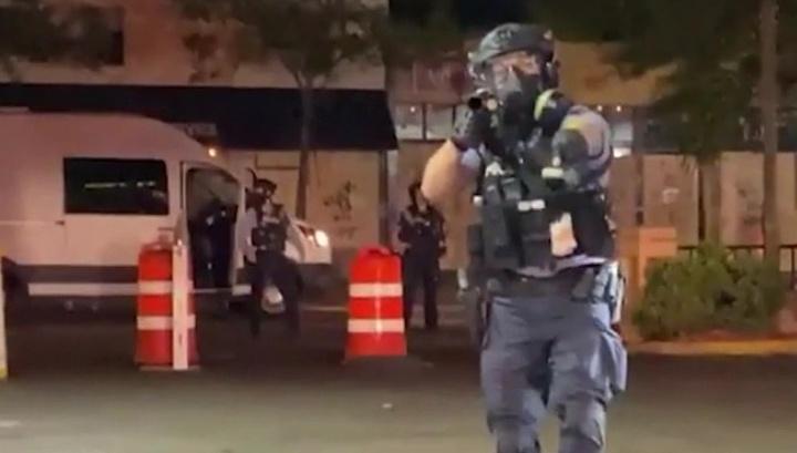 МИД отреагировал на применение газа против российского журналиста полицией США