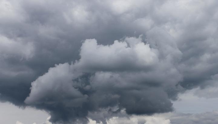 Ливни и шквалистый ветер: на Дону объявлено штормовое предупреждение
