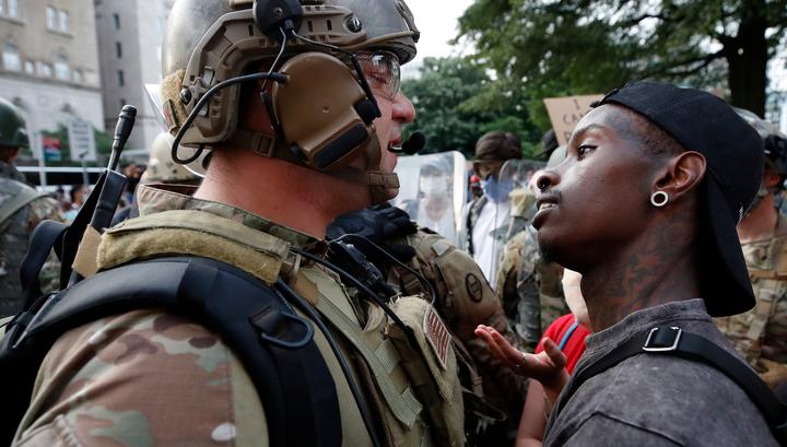 Захарова: Америка сеяла хаос по всему миру и получила его у себя