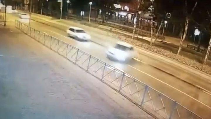 Машину накрутило на столб во время смертельной аварии в Новосибирске