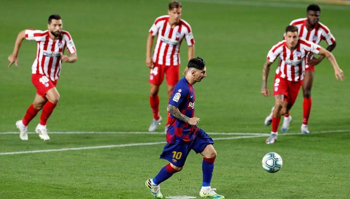 """Автогол и три пенальти. """"Барселона"""" и """"Атлетико"""" сыграли вничью"""