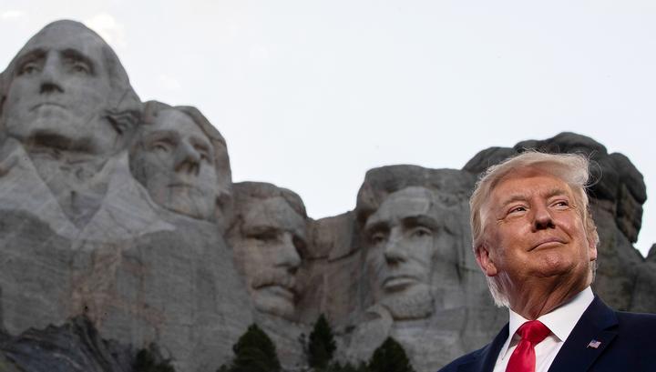 Давно США не отмечали День независимости с таким огоньком. Трамп пренебрег пожарной безопасностью, индейцы потребовали взорвать Рашмор