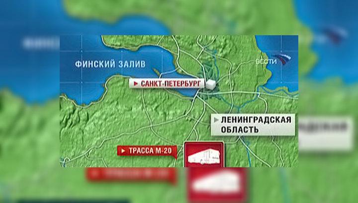 В ДТП на трассе Псков - Санкт-Петебург пострадали 17 человек